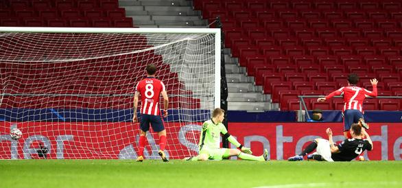 Bayern ngáng chân Atletico Madrid giành vé sớm vào vòng knock-out - Ảnh 1.