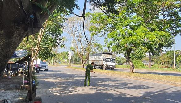 Bắt khẩn cấp hai chú cháu liên quan video CSGT bị đánh ở Bình Chánh - Ảnh 1.
