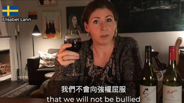 Chính trị gia hàng chục nước rủ nhau uống vang Úc, phản đối Trung Quốc bắt chẹt - Ảnh 1.