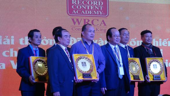 Nguyễn Văn Chung xác lập kỷ lục Việt Nam, Thế Hiển được tặng biểu tượng Hoa tre - Ảnh 3.