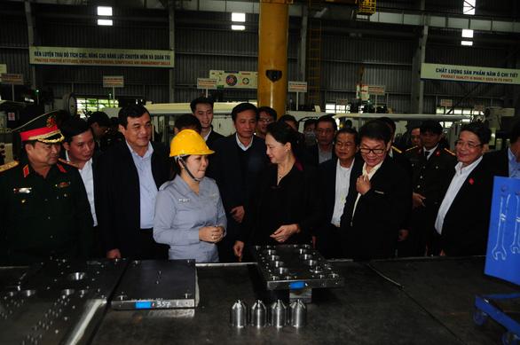 Chủ tịch Quốc hội Nguyễn Thị Kim Ngân thăm Khu công nghiệp Thaco Chu Lai - Ảnh 2.