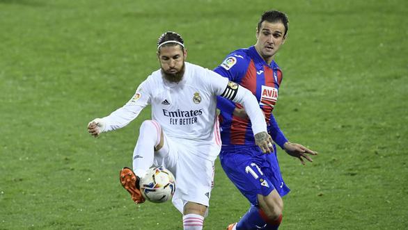 Benzema ghi bàn và kiến tạo, Real Madrid lên nhì bảng - Ảnh 3.