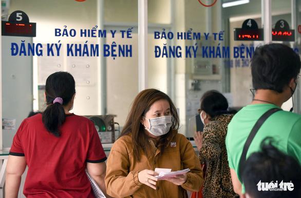 Việt Nam có chưa đến 1 bác sĩ và 2 y tá cho 1.000 người dân - Ảnh 1.