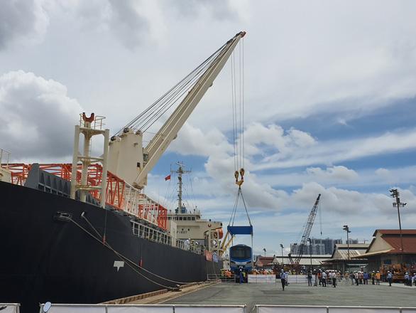 Các cảng trên sông Sài Gòn sẽ được di dời, xây cảng mới ở Cần Giờ - Ảnh 1.