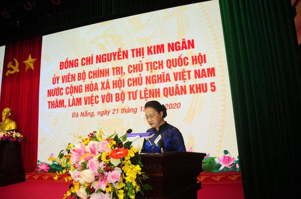 Chủ tịch Quốc hội thăm Bộ tư lệnh Quân khu 5 - Ảnh 1.