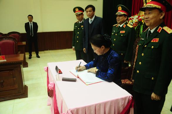 Chủ tịch Quốc hội thăm Bộ tư lệnh Quân khu 5 - Ảnh 3.