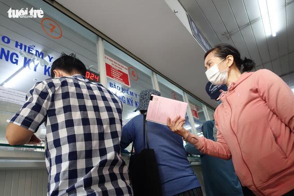 Thông tuyến tỉnh BHYT: Không áp dụng với bệnh viện trung ương ở TP.HCM, Hà Nội, Cần Thơ - Ảnh 1.