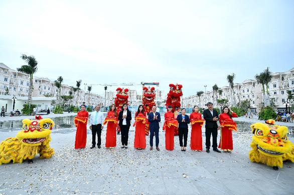 Khánh thành quảng trường nhạc nước 15.000m2 - Thêm điểm giải trí mới tại TP.HCM - Ảnh 2.