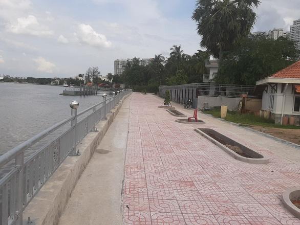 TP.HCM hoàn thành 2 công trình kè chống sạt lở bờ sông - Ảnh 1.