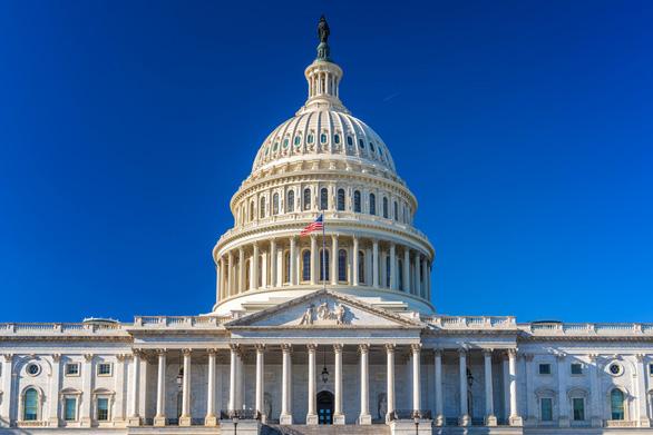 Việt Nam có tên trong gói cứu trợ COVID-19 trị giá 900 tỉ USD của Quốc hội Mỹ - Ảnh 1.