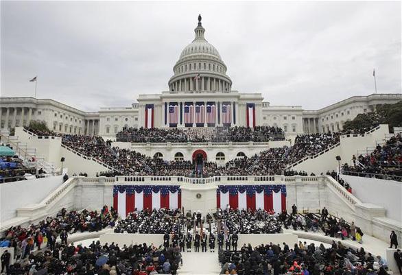 Người hâm mộ tổ chức 'lễ nhậm chức lần 2' cho ông Trump, Facebook dán cảnh báo - Ảnh 2.