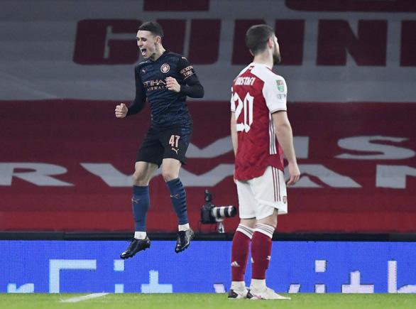 Vùi dập Arsenal tại Emirates, Man City vào bán kết Cúp liên đoàn - Ảnh 3.