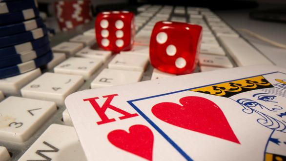 Ngành công nghiệp cờ bạc phi pháp hơn 150 tỉ USD ở Trung Quốc vận hành ra sao? - Ảnh 1.
