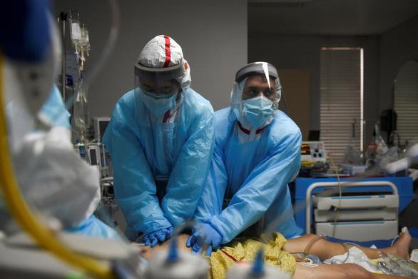 Mỹ xoa dịu dư luận trước những lo ngại về biến thể virus mới ở Anh - Ảnh 1.