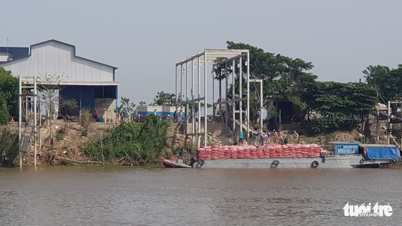 Một doanh nghiệp bị tố được ưu ái sang Campuchia lấy hàng trực tiếp giữa dịch COVID-19 - Ảnh 3.