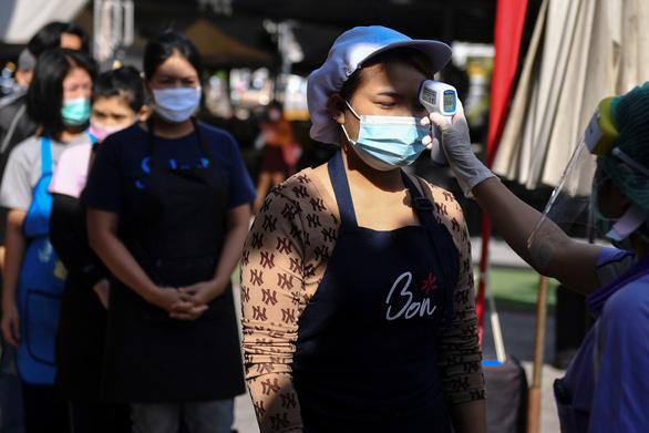 Thủ tướng Prayuth khẳng định nhập cư trái phép khiến COVID-19 bùng phát ở Thái Lan - Ảnh 1.