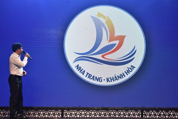 Khánh Hòa phát động chương trình kích cầu du lịch 2021 và bộ nhận diện logo, slogan mới - Ảnh 3.