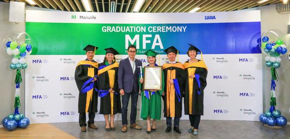 Manulife Việt Nam tôn vinh tư vấn viên với lễ tốt nghiệp Master Financial Advisor - Ảnh 1.