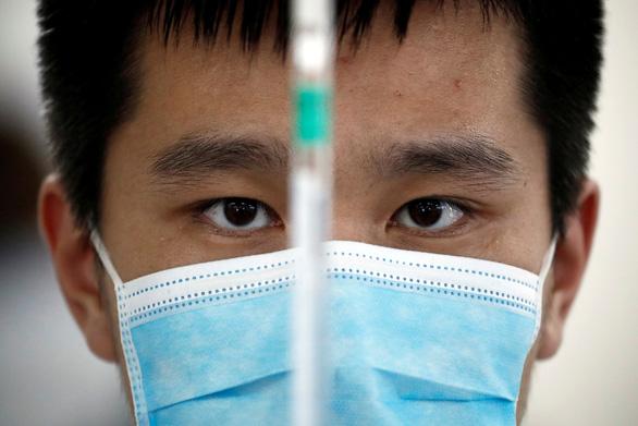 Trung Quốc:Nhiều người không dám tiêm vắc xin trong nước sản xuất