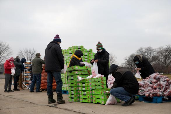 Đại dịch gây khó, người Mỹ lại làm từ thiện giúp nhau nhiều hơn - Ảnh 1.