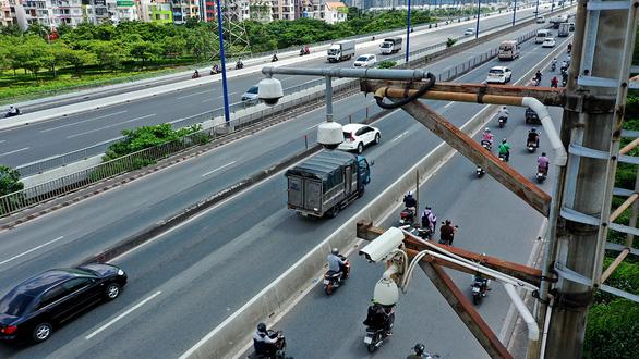Lắp camera phạt nguội trên toàn quốc: CSGT đỡ ra đường, người dân nâng cao ý thức - Ảnh 3.