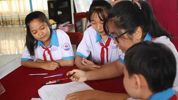 Bộ GD-ĐT: Có thể nhận xét học sinh theo nhiều cách - Ảnh 1.