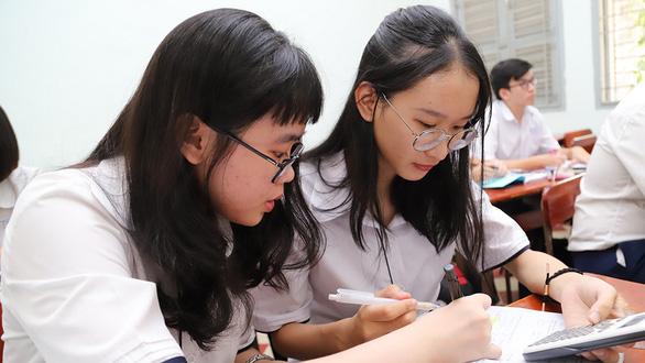 Thi thay đổi, dạy và học đổi thay - Kỳ 2: Khổ với nhận xét học sinh - Ảnh 1.