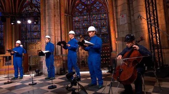 Chưa sửa xong, nhà thờ Đức Bà Paris tổ chức hòa nhạc Giáng sinh đặc biệt - Ảnh 1.