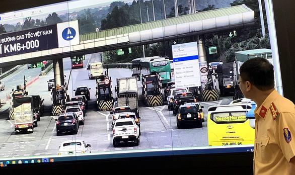 Lắp camera phạt nguội trên toàn quốc: CSGT đỡ ra đường, người dân nâng cao ý thức - Ảnh 2.