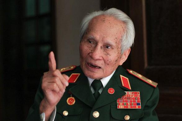 Trung tướng Nguyễn Quốc Thước được trao danh hiệu Anh hùng lực lượng vũ trang - Ảnh 1.