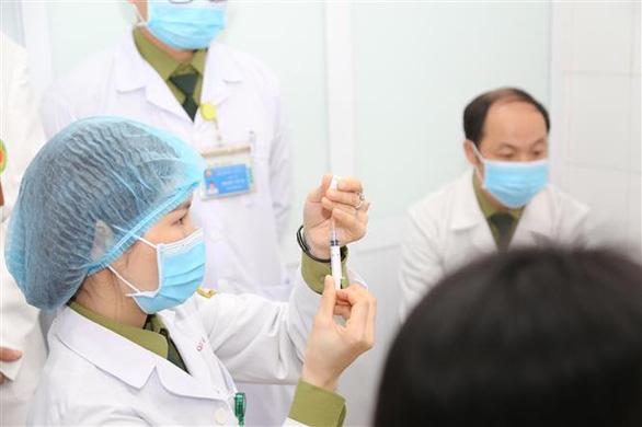 Tiếp tục tiêm thử vắc xin COVID-19 của Việt Nam nhóm liều 50mcg - Ảnh 5.