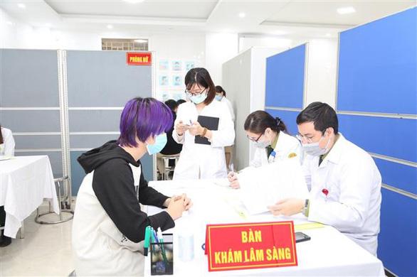 Tiếp tục tiêm thử vắc xin COVID-19 của Việt Nam nhóm liều 50mcg - Ảnh 4.