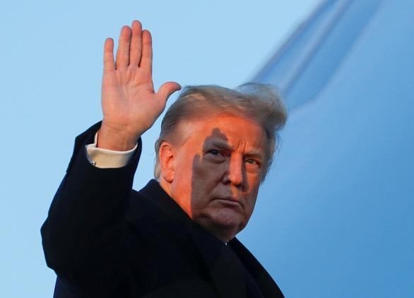 آیا ترامپ قبل از روی کار آمدن جو بایدن ، رئیس جمهور منتخب ، به طور مستقیم به مارآلاگو می رود و پرواز می کند؟  - تصویر 1