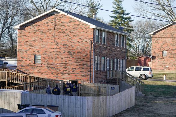 Cơ quan điều tra lục soát ngôi nhà tình nghi liên quan vụ nổ ở Nashville - Ảnh 1.