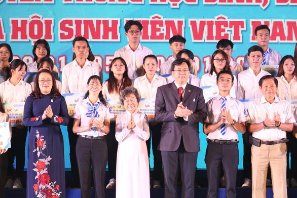Chị Phan Thị Thanh Phương tái đắc cử chủ tịch Hội Sinh viên VN TP.HCM - Ảnh 12.