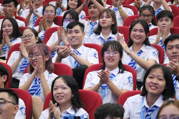 Chị Phan Thị Thanh Phương tái đắc cử chủ tịch Hội Sinh viên VN TP.HCM - Ảnh 6.