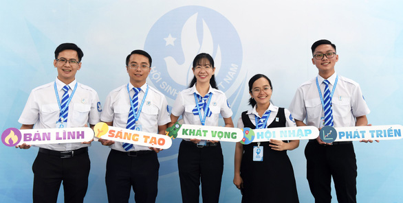 Chị Phan Thị Thanh Phương tái đắc cử chủ tịch Hội Sinh viên VN TP.HCM - Ảnh 1.