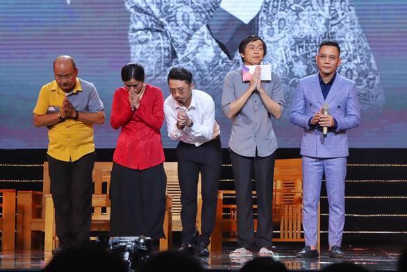 Hoàng Sơn diễn vai cuối thay nghệ sĩ Chí Tài, Hoài Linh cúi đầu cảm tạ - Ảnh 4.