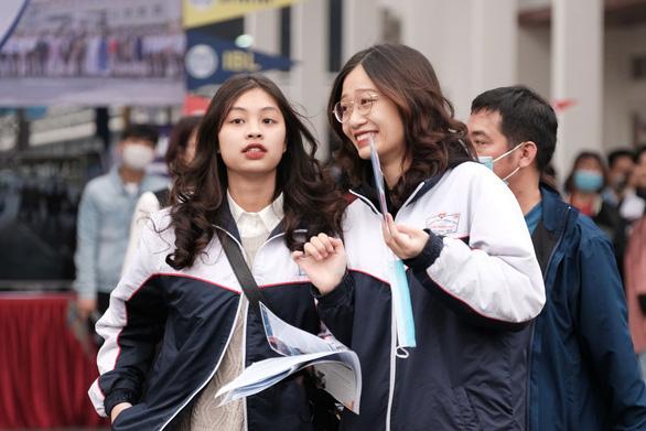 6.000 học sinh dự tư vấn tuyển sinh tại Hải Phòng: Kinh tế số, nên học ngành nào? - Ảnh 1.