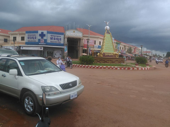 Campuchia bắt giữ 7 người Việt nhập cảnh trái phép từ Thái Lan - Ảnh 1.