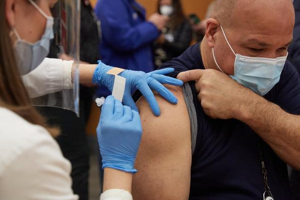 Biến thể virus corona ở Anh, Nam Phi đã lan tới bao nhiêu quốc gia? - Ảnh 2.