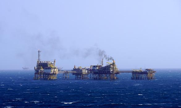 Vietsovpetro khai thác hơn 3,4 triệu tấn dầu, tiết kiệm 105 triệu USD. - Ảnh 1.