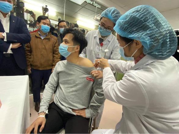 1 ca mắc COVID-19 mới, chuẩn bị tiêm thử vắc xin của Việt Nam mũi thứ 2 - Ảnh 1.