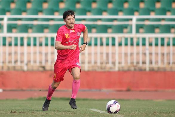 Daisuke Matsui đến CLB Sài Gòn để trả ơn người bạn Việt - Ảnh 1.