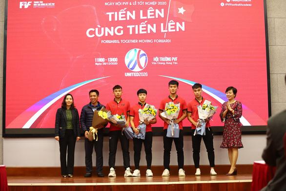 PVF chuyển nhượng 20 cầu thủ xuất sắc cho các CLB V-League, hạng nhất - Ảnh 1.