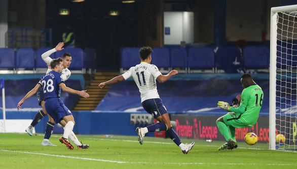 Bàn thắng gây tranh cãi của Aston Villa khiến Chelsea mất chiến thắng - Ảnh 3.