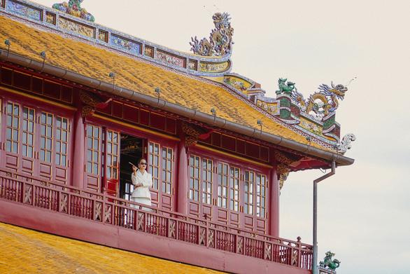 Gái già lắm chiêu V: Phim 2 triệu USD quay ở Cung An Định, Đại Nội Huế - Ảnh 3.