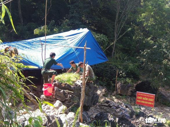 Phát hiện nhiều người nhập cảnh trái phép từ Trung Quốc vào Việt Nam - Ảnh 2.