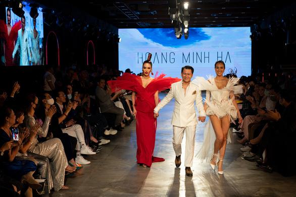 Lan Khuê hóa phượng hoàng trong đêm bế mạc lễ hội thời trang quốc tế 2020 - Ảnh 7.