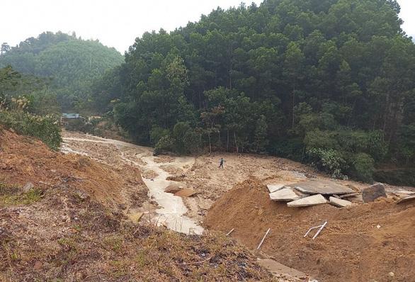 Bộ Nông nghiệp họp khẩn khắc phục vụ vỡ kênh thủy lợi 4.300 tỉ đồng - Ảnh 2.